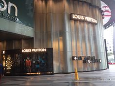 Louis Vuitton, Singapore Singapore City, Louis Vuitton, Top Destinations, Experiential, Marina Bay, Lighthouse, The Past, Bell Rock Lighthouse, Light House