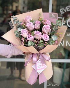 28 New Ideas Flowers Arrangements Bouquets Gift Beautiful Gift Bouquet, Bouquet Wrap, Hand Bouquet, Rose Bouquet, How To Wrap Flowers, All Flowers, Beautiful Flowers, Beautiful Bouquets, Flower Bouqet