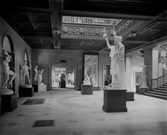 """When the Art Institute of Chicago opened its doors on Michigan Avenue in 1893, the collection consisted of a """"significant"""" group of reproductions of famous sculptures and plaster casts of architectural statuary, donated by the French government at the close of the Columbian Exposition. Yes, you heard me right. Plaster casts. Reproductions of Venus de Milo and Winged Victory. Picture is the Michigan Avenue lobby ca. 1900."""