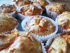 kolejny blog o gotowaniu: Muffinki z serem i szynką Food Porn, Breakfast, Blog, Morning Coffee, Blogging, Treats