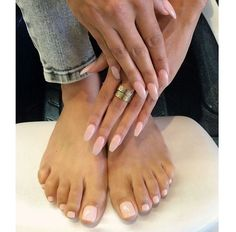 Click to Host Your Online or In Person Makeup Party to Earn Free and Discounts on Motives Cosmetics Nail Products used for this Matching Peachy Nails! #Manicure #Feet #Peach