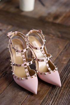 Tracy and Jon& Los Angeles Wedding Valentino Studded Heels, Valentino Shoes, Wedding Blog, Wedding Styles, Dream Wedding, Beautiful Pakistani Dresses, Strictly Weddings, Shoes World, Fashion Wallpaper