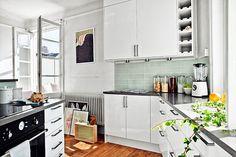 bancada de cozinha - pequenos espaços - ideia de decoração - cozinha iluminada