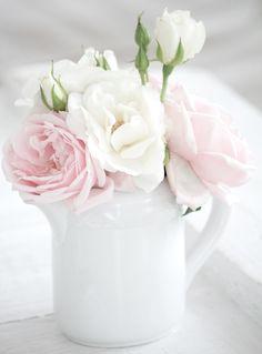 White and Shabby: ROSE GARDEN