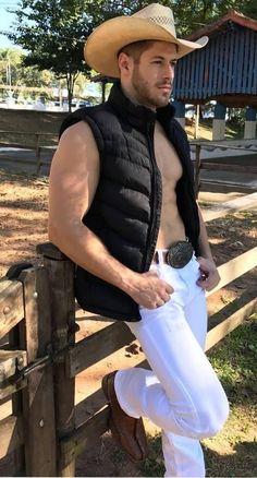 Hot Country Men, Country Boys, Nice Casual Outfits For Men, Cowboys Men, Sexy Shirts, Handsome Boys, Gorgeous Men, Cute Boys, Sexy Men