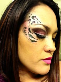 Rochelle M. Tiger Makeup, Eye Makeup, Maquillage Halloween, Face And Body, Crafts For Kids, Halloween Costumes, Halloween Face Makeup, Tiger Eyes, Pink