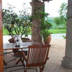 Einfach eine Zitrone vom Baum pflücken... Urlaub in der Toskana mit ReNatour