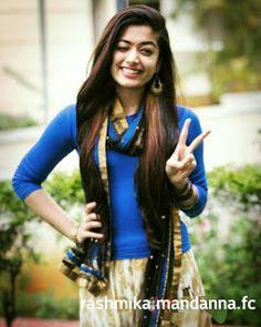 Sweet Girl Pic, Cute Girl Poses, Cute Girl Photo, Beautiful Girl Photo, Beautiful Girl Indian, Most Beautiful Indian Actress, South Indian Actress Photo, Indian Actress Photos, Indian Actresses
