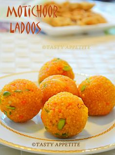 MOTICHOOR LADOO / HOW TO MAKE MOTICHOOR LADOO / EASY DIWALI SWEETS RECIPE,motichoor ladoo,motichur laddu,ladoo recipes,jeyashris kitchen recipes,diwali sweets,easy diwali sweets,how to make ladoo,ladoo with step wise pictures,north indian style ladoo