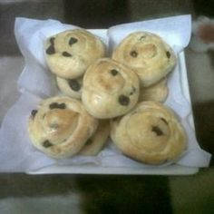 Chelsea buns: These sweet rolls, filled with raisins or currants and ...
