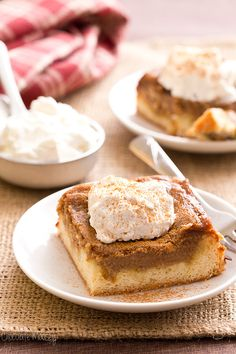 When you're looking for an easy make and take dessert for your next get together, look no further than this Apple Butter Gooey Butter Cake with a homemade yellow cake base and an apple butter cream cheese layer made with @MussAppleButter