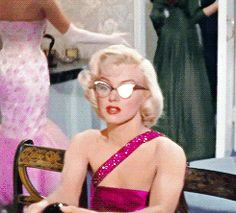 Marilyn Monroe - how to marry a millionaire