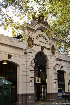 """""""El Mercado"""", antiguo mercado sobre la calle Vicente Lopez al 1652 en el barrio de la Recoleta, que fuera establecido en el año 1900, fue uno de los tantos mercados que servían de nexos y lugares de encuentro de la ciudad de Buenos Aires."""