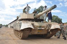 United States Army soldiers check out a South African Olifant MBT x Iraqi Army, The Centurions, Visit South Africa, Army Day, Armored Fighting Vehicle, Military Helicopter, Battle Tank, United States Army, Armored Vehicles