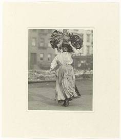 Italiaanse immigrante, Lewis Wickes Hine, 1910