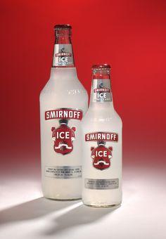 Be sure to Ice him when he opens it! Smirnoff Flavors, Smirnoff Ice, Fun Drinks, Yummy Drinks, Beverages, Billard Bar, Beer Bottle, Vodka Bottle, Fotografia