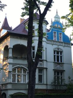 ღღ love these old Villa's ..Berlin, Lichterfelde