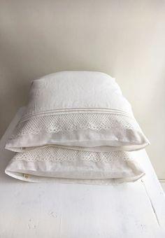 White Linen Pillowcase with Lace Romantic Pillowcase Antique