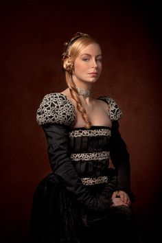 Costume Renaissance, Renaissance Fair, Pretty Dresses, Beautiful Dresses, Mode Simple, Medieval Fashion, Period Costumes, Medieval Castle, Portraits