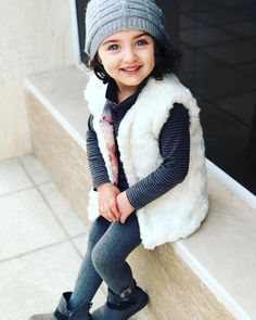 Image may contain: 1 person Cute Kids Pics, Cute Baby Girl Pictures, Girly Pictures, World's Cutest Baby, Cute Baby Girl Wallpaper, Cute Little Baby Girl, Baby Girls, Cute Babies Photography, Kids Dress Wear