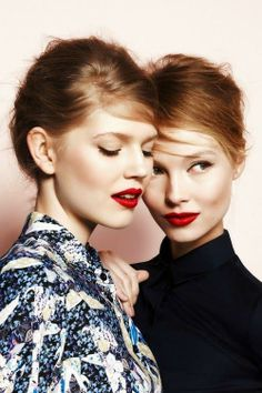 Deep side parts + red lips #beauty #makeup