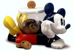 Mickey Mouse Cookie Jar made in China by Treasure Craft awkward placement for the jar though! Mickey Mouse House, Mickey Mouse Kitchen, Mickey Mouse Cookies, Disney Cookies, Mickey Minnie Mouse, Mickey Mouse Crafts, Disney Kitchen Decor, Disney Home Decor, Kitchen Themes