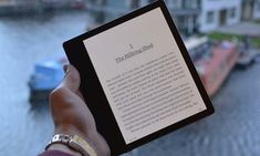 The Rolls Royce of e-readers … the Kindle Oasis 2017.