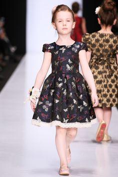 Kids Fashion, Fashion Show, Girls Dresses, Flower Girl Dresses, Baby Dress, Evening Dresses, Kids Outfits, Fashion Dresses, Angel