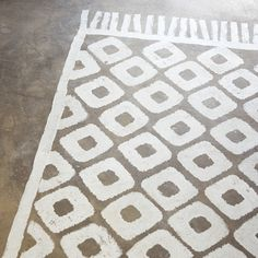 Casual rug. Moroccan pied a terre of designer Paola Navone