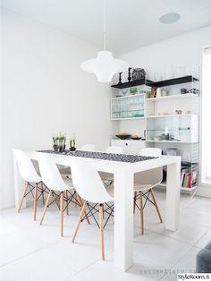 ruokailutila,ruokapöytä,ruokapöydän tuolit,ruokailutilan sisustus,string systems