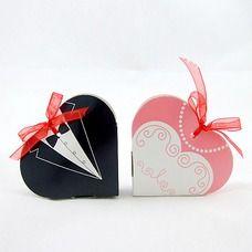 [€ 2.28] Smoking & Abendkleid Herzförmige Geschenkboxen mit Bänder (Satz von 6 Paaren) (050016117)