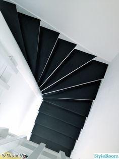 trappa,svart,vit,trappsteg,svartmålad trappa