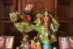 Sri-Sri-Radha-Gopinath-1024x682.jpg (1024×682)