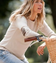 casual cashmere bicycle style (via Delightful Cycles - Pinterest)
