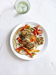 Turkey Meatball Gyro: Go Greek with this easy dinner idea. Click through to discover more heart-healthy dinner recipes that are easy to make. Heart Healthy Recipes, Gourmet Recipes, Cooking Recipes, Yummy Recipes, Vegetarian Recipes, Yummy Food, Ground Turkey Meatballs, Gyro Recipe, Easy Summer Dinners