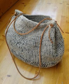"""New Cheap Bags. The location where building and construction meets style, beaded crochet is the act of using beads to decorate crocheted products. """"Crochet"""" is derived fro Crochet Diy, Crochet Tote, Crochet Handbags, Crochet Purses, Love Crochet, Crochet Crafts, Crochet Projects, Simple Crochet, Crochet Stitch"""