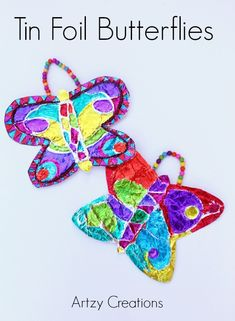 Your kids will love to make these Tin Foil Butterflies with Sharpie markers. #SharpieBTS #PMedia #ad