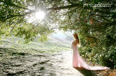 Beautiful Maternity Photography Photos with a gorgeous backdrop of nature's beauty. Maternity Photo Ideas
