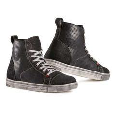 ΜΠΟΤΑΚΙΑ-ΠΑΠΟΥΤΣΙΑ : Μποτάκια Eleveit Freeride Air Black-Anthracite High Tops, High Top Sneakers, Boots, Fashion, Blue, Shearling Boots, Moda, Fashion Styles, Shoe Boot
