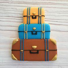 luggage cookies   by sarah godlove Beer Cookies, Iced Sugar Cookies, Fun Cookies, Decorated Cookies, Fondant Cookies, Cupcake Cookies, Cookie Designs, Cookie Ideas, Cake