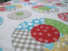 Lots of Dots Quilt Pattern and Circle Tutorial
