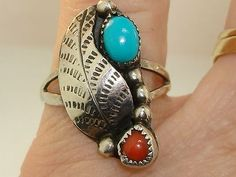 VINTAGE-NATIVE-AMERICAN-OLD-PAWN-STERLING-SILVER-TURQUOISE-CORAL-RING
