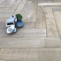 MAXI HERRINGBONE BESPOKE BEACH SAND LIGHTLY BRUSHED SAW MARK ENGINEERED WOOD FLOORING 115x600mm Engineered Wood, Beach Wood, Herringbone, Wood, Oak, Wood Stairs, Sanding, Floor Coating, Engineered Wood Floors