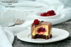 Torturi cu mousse de vanilie si crema de zmeura Romanian Desserts, Food Cakes, Cake Recipes, Cheesecake, Deserts, Food And Drink, Cooking Recipes, Sweets, Bracelets