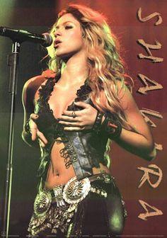 A great Shakira poster! The lovely Columbian singer-songwriter performing live. Need Poster Mounts. Shakira Hair, Shakira Style, Shakira Body, Shakira Dance, Drake Concert, Shakira Mebarak, Curls For Long Hair, Doja Cat, Female Singers