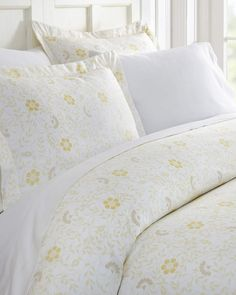 fb65ff47735c Ienjoy Home Spring Vines 3-Piece Duvet Cover Set, King Vine Trellis, King