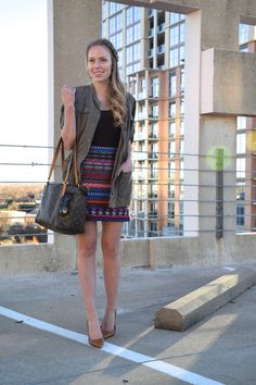 transitioning to spring with this super cute Topshop tribal print skirt!  seekwandershare.com