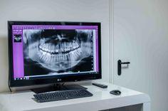 Pokój konsultacyjny. To tutaj nasi dentyści szczegółowo sprawdzają zdjęcia roentgenowskie naszych pacjentów.