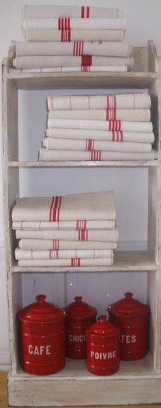 Living With Imperfection: A Little French Linen French Country Farmhouse, French Country Style, French Country Decorating, Country Life, Red And White Kitchen, Red Kitchen, French Kitchen, Red Cottage, French Cottage