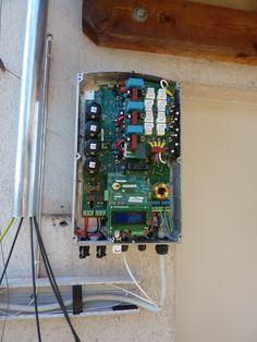 Dreiphasiger Solaredge Wechselrichter von innen.